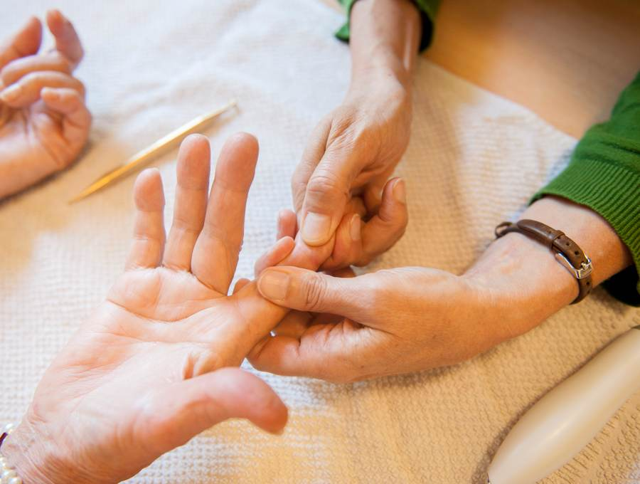 Hand-Rehabilitation in der Ergotherapie